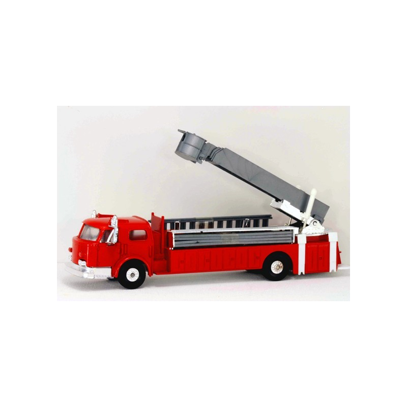 MODEL POWER  MP-7968-1 FIRE FIGHTERS FIRE ENGINE SNORKEL BUCKET TRUCK WITH LADDERS